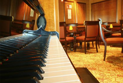 Dueling Piano Shows for Night Clubs and Restaurants Nationwide - nightclub
