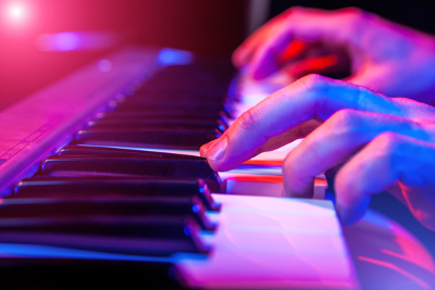 Best Rated Corporate Entertainment in Bend OR  - piano1