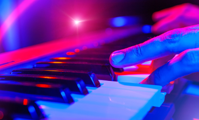 Amazing Dueling Pianos in Davenport IA  - piano3